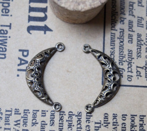 23*12mm-Copper Moon Vintage Alloy-Bracelet supplies--Antique Bronze-Discount Wholesale Price-30pcs/lot