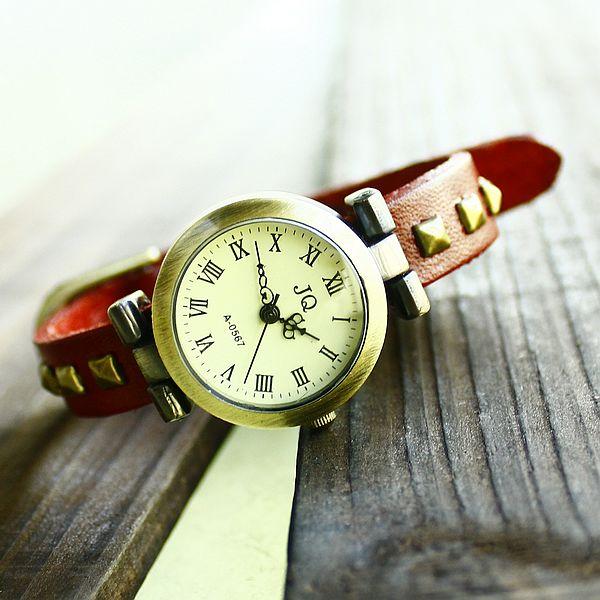 Wholesale Vintage Leather Watch Rivet Handmade-Charm Gift