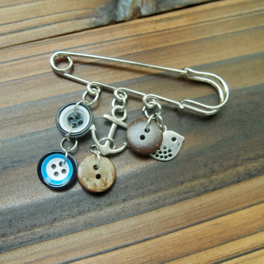 button kilt pin for boys men