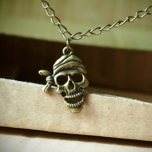 Pirate-Skull-Necklace-handmade-Vintage-Style
