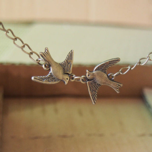 Vintage-Flying-Birds-Necklace