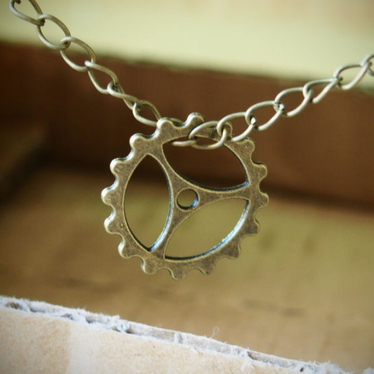 Wheel-Necklace-for-DAD-boy-friend