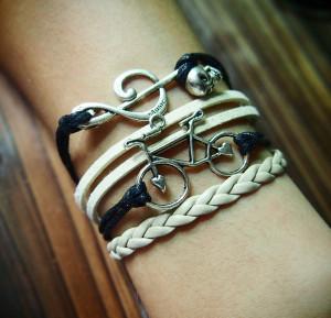 bike-music-skull-charm-bracelet