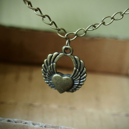 heart-with-two-wings-necklace