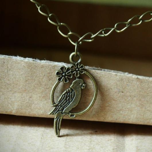 parrot-necklace