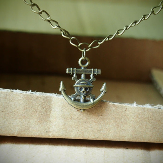 skull-pirate-anchor-necklace