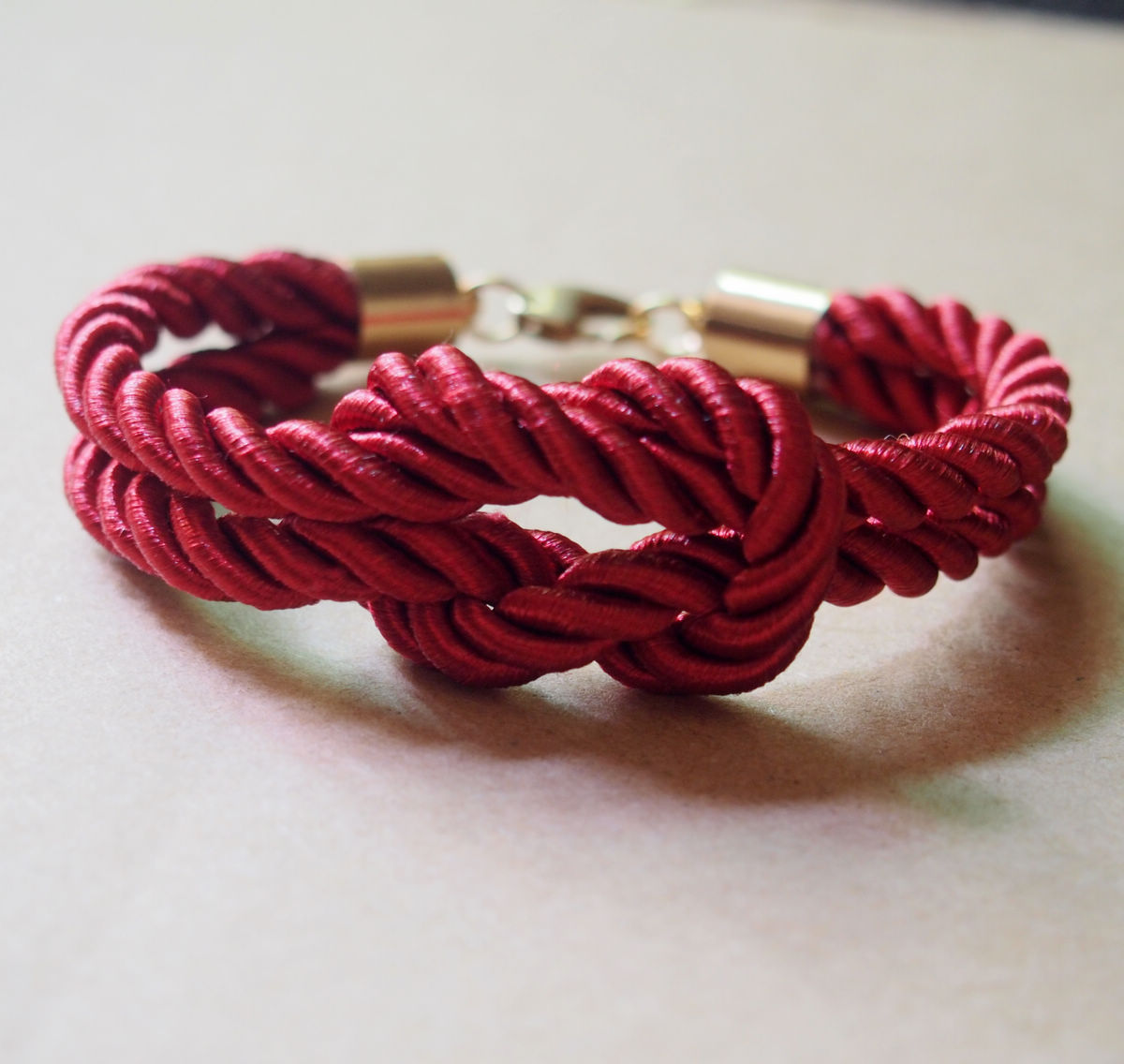 Red-knotted-rope-bracelet-for-women