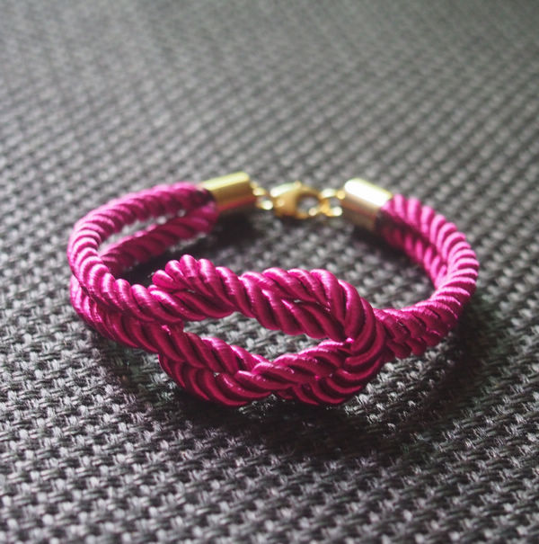 best-jewelry-gift-for-her-rose-silk-rope-bracelet