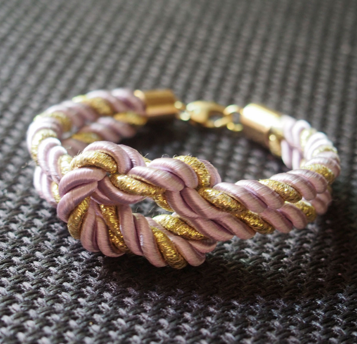 rope-bracelet-purple-with-gold