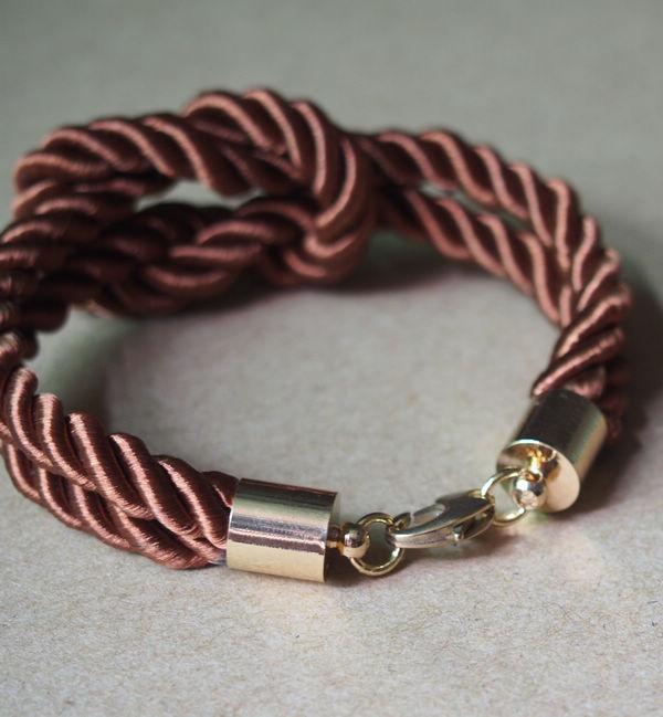 silk-rope-bracelet-for-men-brown-gold-clasp