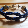 knotted-bracelet-with-anchor-in-gold-for-men