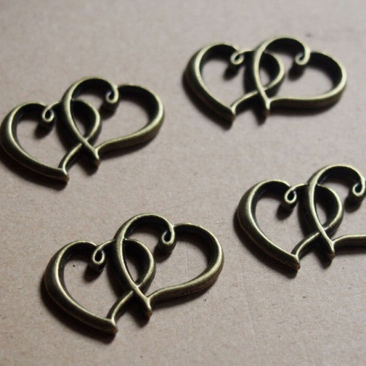 heart to heart metal alloy pendants
