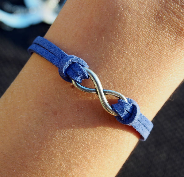 infinity-bracelet-blue-leather