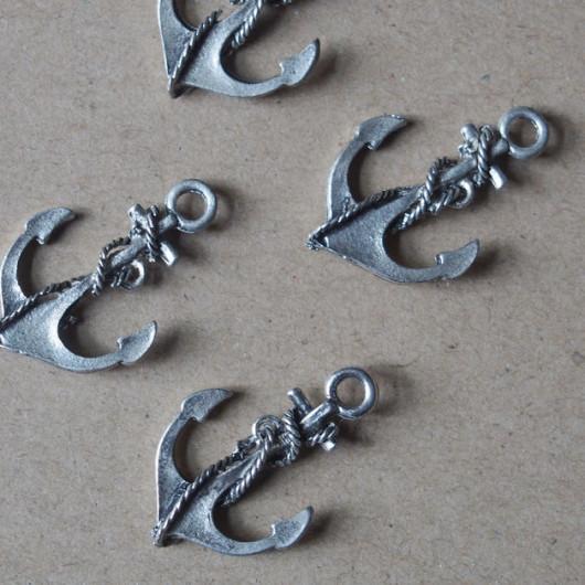 metal-alloy-pendants-findings-wholesale