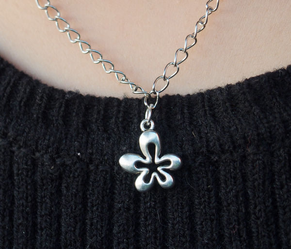 five leaves good luck necklace in silver for girls  charm necklace for women  best gift jewelry