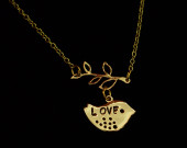 Gold-necklace-for-mama