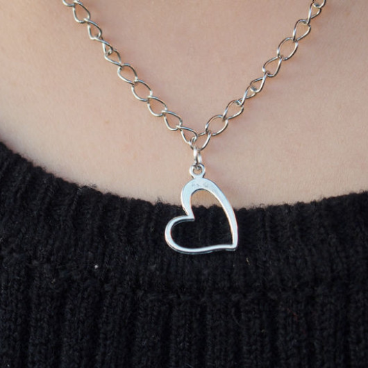 Heart-necklace-for-girl-friend