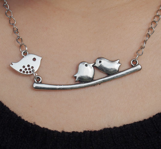 Mama-birds-necklace-mom-with-children