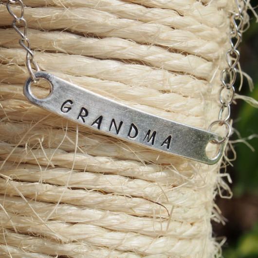 hand-stamping-bracelet-for-grandma