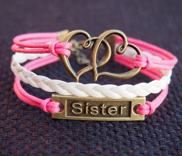 heart-to-heart-and-sister-charm-bracelet