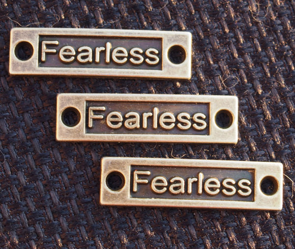 letters-pendants-of-Fearless