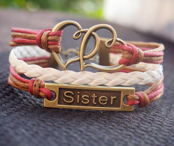 sister-bracelets-double-heart-charm-bracelet