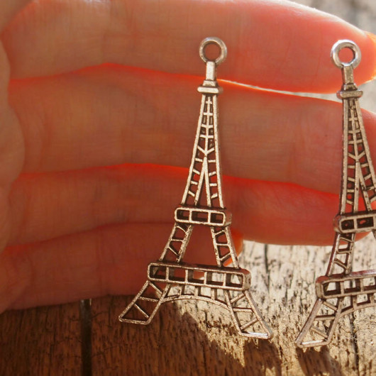 Silver-eiffel-tower-pendants-findings