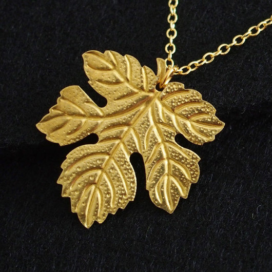 big-leaf-necklace-for-mom