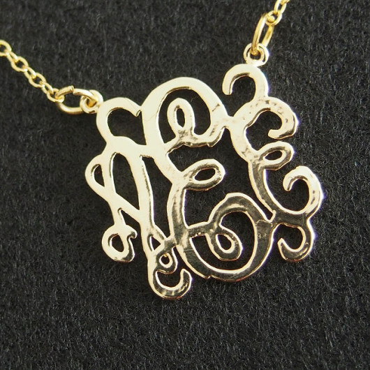 monogrammed-necklace-18k-gold