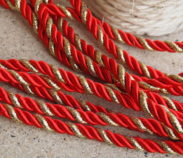 silk-rope-red-and-gold