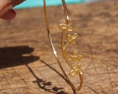 branch-bracelet-with-leaves-gold-wire