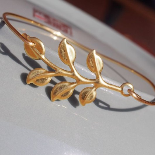 gold-bangle-bracelet-branch-leaf