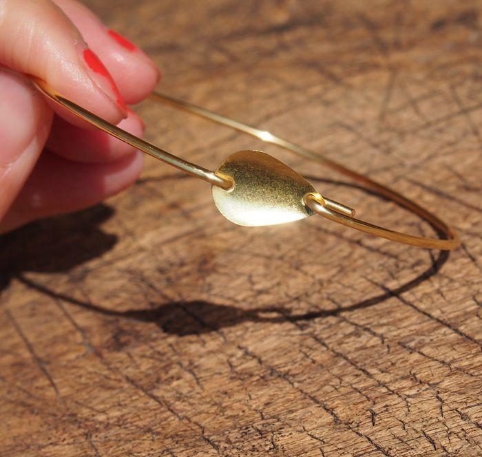 gold-wire-bracelet-waterdrop-tag-bracelet