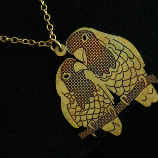 Parrot-necklace-18k-gold