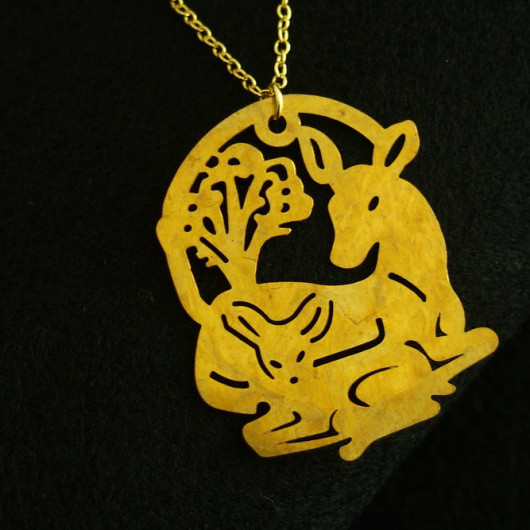 deer-necklace-gold