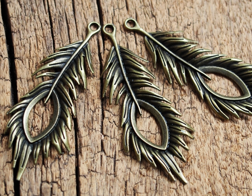 feather-pendants-bronze