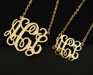 personalized-monogram-necklace-nameplate-necklace-gold