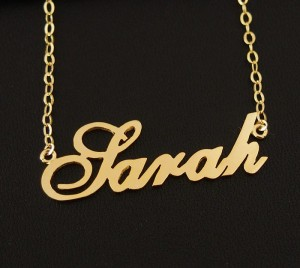 personalized-nameplate-necklace