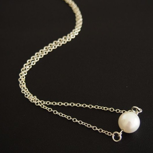simple-pearl-necklace