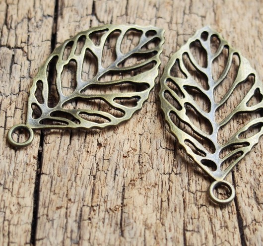 LUCK-LEAF-PENDANTS