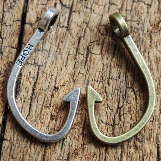 fish-hook-pendants-wholesale