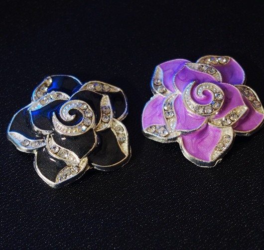 flower-pendants-black-and-purple