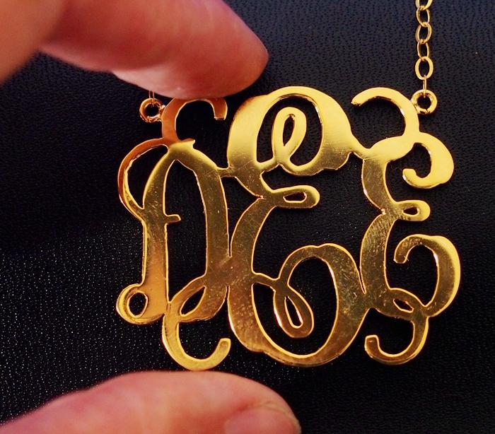 monogram-necklace-extra-size