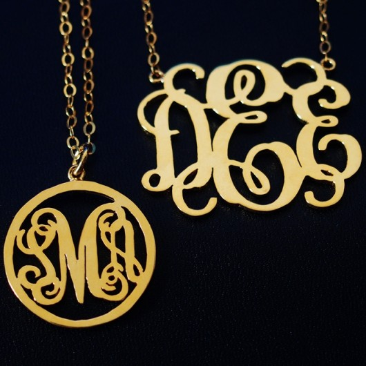monogram-necklace-gift