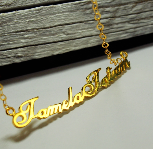 name-necklace-gold