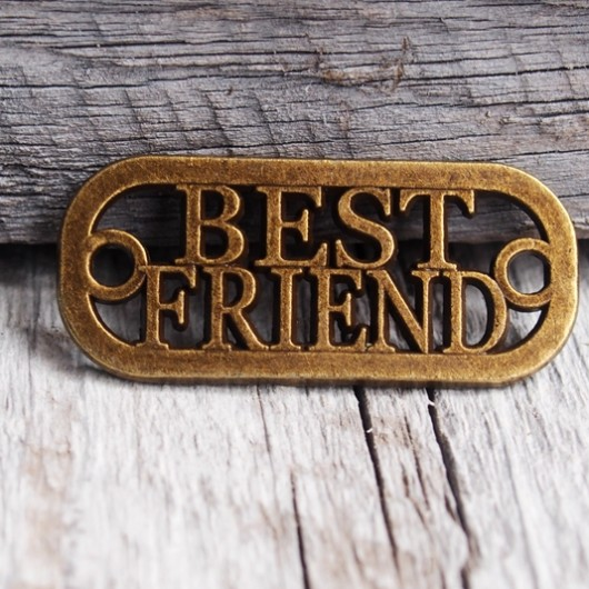best-friend-pendant