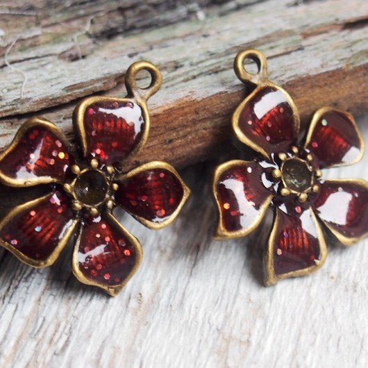red-wine-flower-pendants