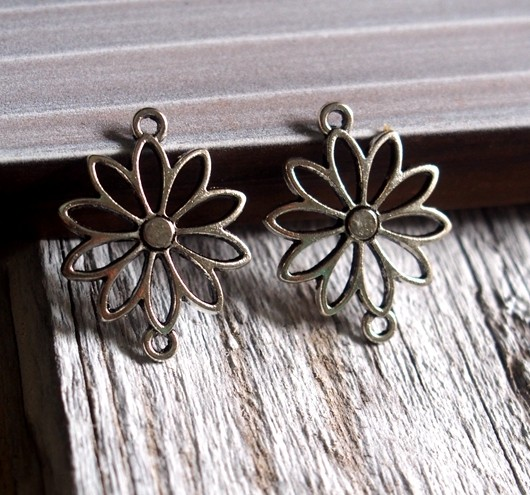 flower-sheet-pendants