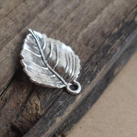 silver-leaf-charms
