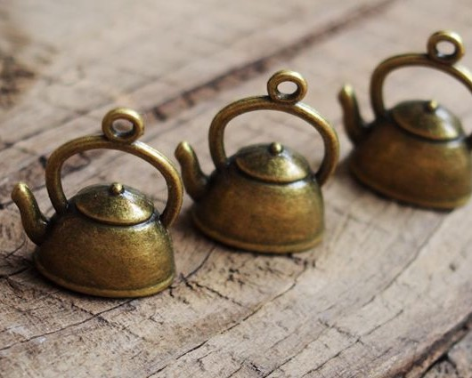 Kettle-pendants